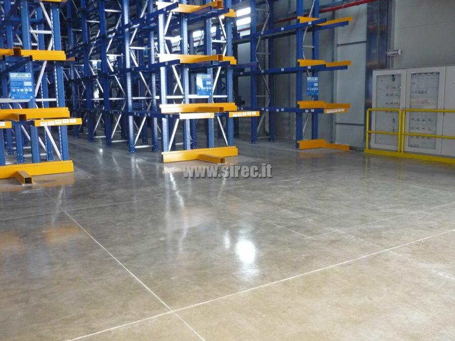 Floor for VNA trucks use
