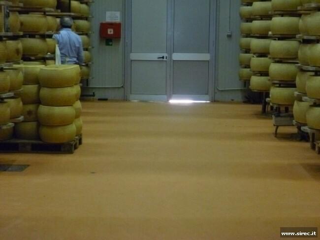 Pavimento industriale in resina epossidica - industria casearia - » Rivestimento pavimento in resina epossidica
