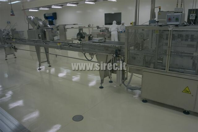 cleanroom floor with mirror finishing