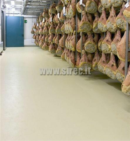 Pavimento industriale in resina epossidica su piastrelle - prosciuttificio