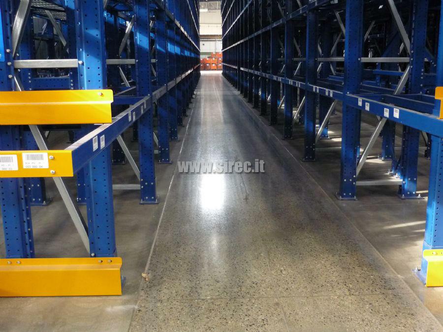 Pavimentazione corsia rettificata trattata con FLOORCOAT/H